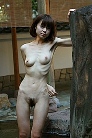 nude_extremely_skinny_girls01.jpg